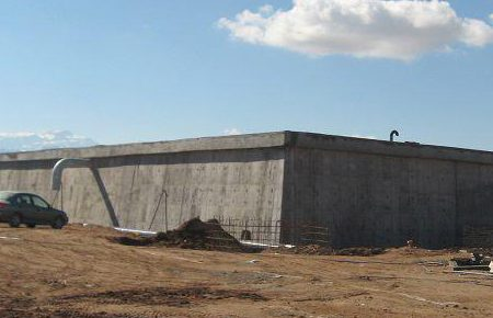 عملیات اجرایی مخزن ۵۰۰۰ مترمکعبی و خط انتقال آب شرب مجتمع کاریزلند