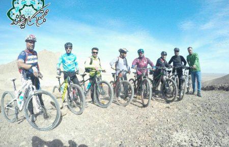 ثبت مسیر دوچرخه سواری پارک ۱۲۰۰ هکتاری کاریزلند با حضور میدانی دوچرخه سواران یزدی