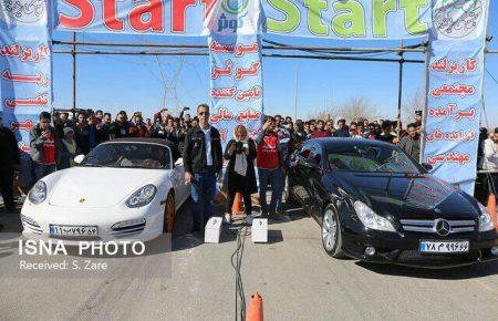 موسسه کوثر میزبان مسابقات اتومبیل رانی شتاب چندجانبه/ جدال ۸۰ راننده اتومبیل رانی در درگ ۴۰۰ متر مجتمع کاریزلند